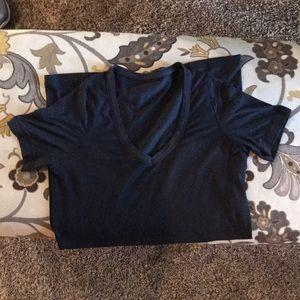 Lululemon black b-neck fitted shirt